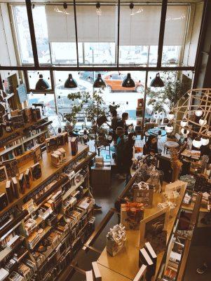 books-bookshelf-bookshelves-1451475